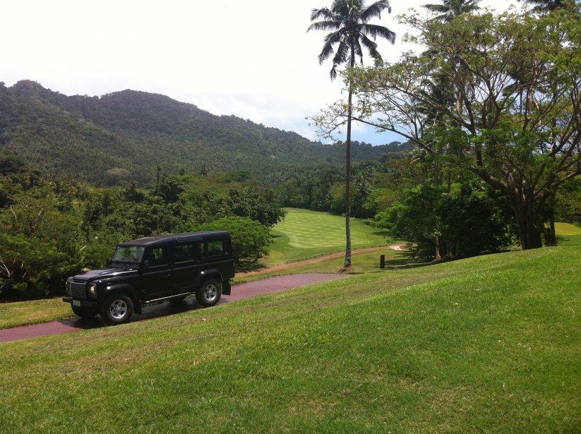 La formule tout-inclus de lîle de Laucala permet aux amateurs de golf de jouer autant de parties que désirées durant leur séjour. Certains golfeurs sarrachent cependant les cheveux après les neuf premiers trous. Heureusement, la deuxième moitié du parcours est un peu plus facile. | 10 décembre 2012