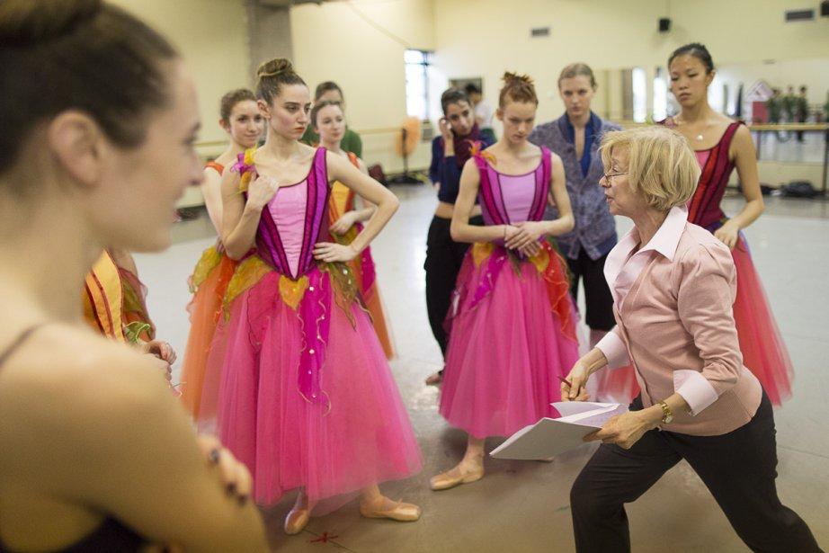 Responsable de la répétition vendredi dernier, la maîtresse de ballet... | 2012-12-10 00:00:00.000