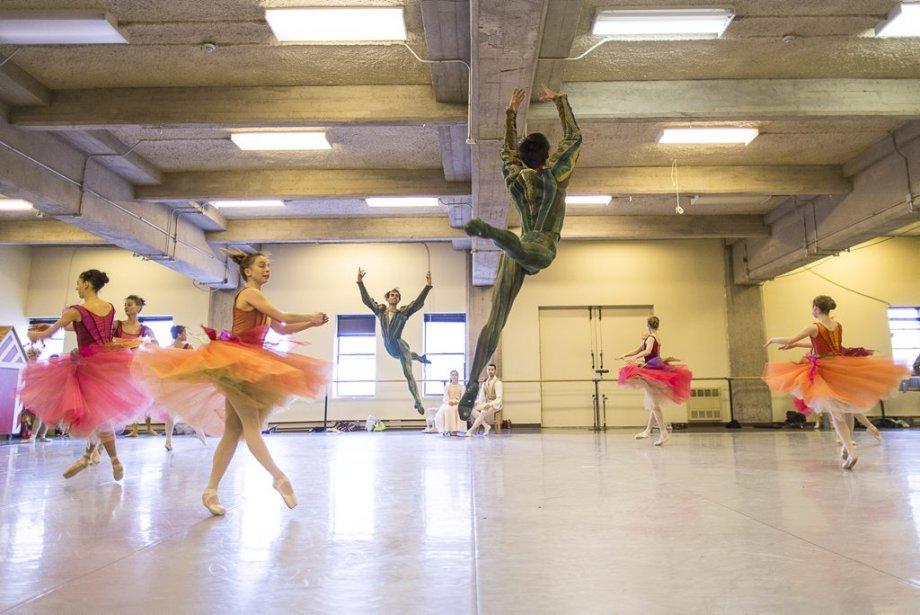 Les danseurs en pleine répétition de la Valse des fleurs. | 10 décembre 2012