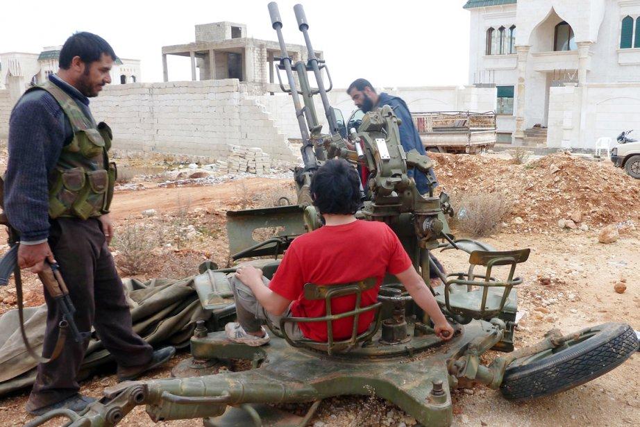 Les combattants islamistes, qui ont rejoint la rébellion,... (PHOTO HERVE BAR, AFP)