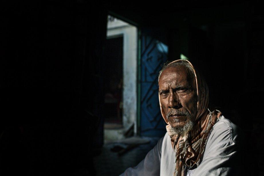 Muhammad Siraj a perdu son fils et sa fille dans l'incendie. | 11 décembre 2012