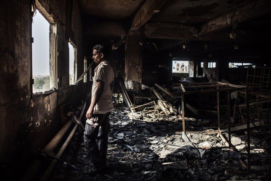 Un survivant parmi les ruines | 11 décembre 2012