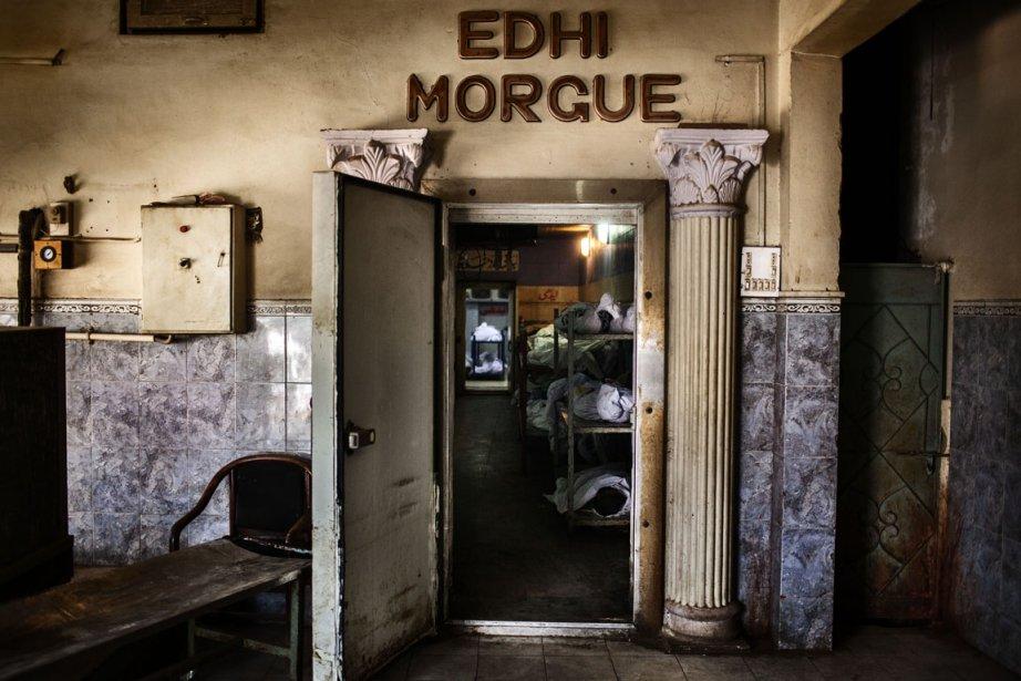 Une morgue de Karachi où des corps des victimes attendent toujours d'être identifiés. | 11 décembre 2012