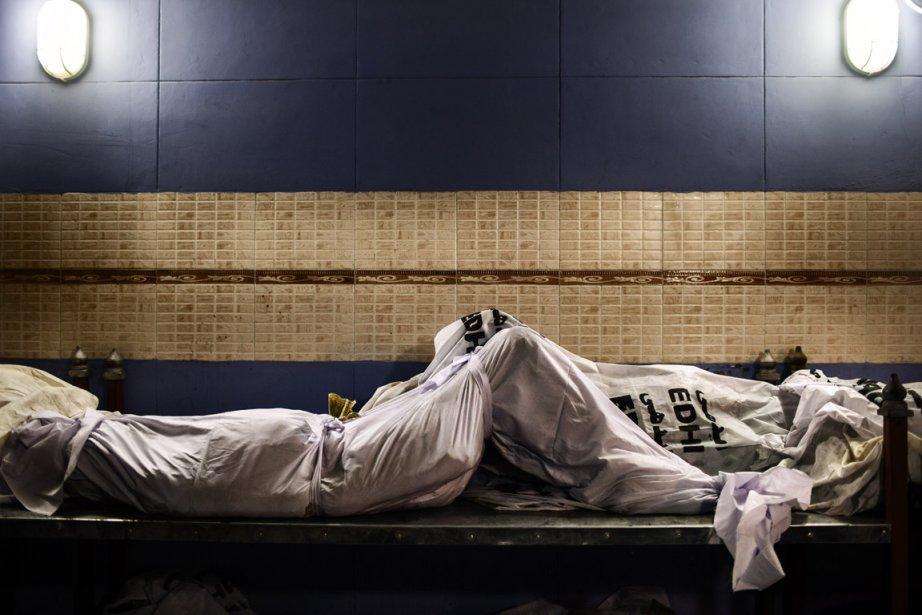 Des corps de victimes qui attendent toujours leur identification. | 11 décembre 2012