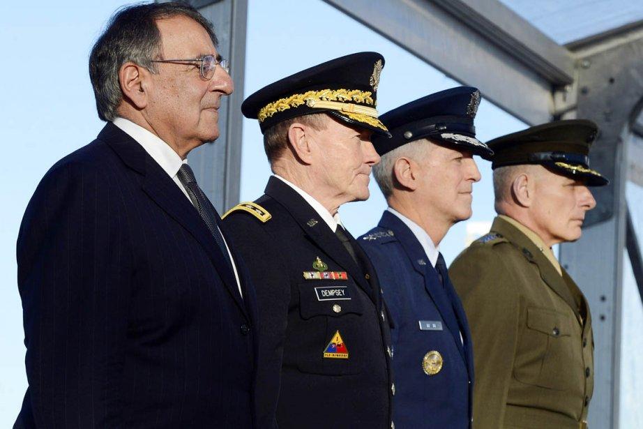 De gauche à droite: le secrétaire américain à... (PHOTO RHONA WISE, ARCHIVES REUTERS)