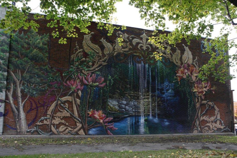 La murale Vámonos a été créée dans le parc Sainte-Cunégonde, au 2617, rue Notre-Dame Ouest, dans le quartier de la Petite-Bourgogne par l'artiste-graffiteur Arpi qui a peint un paysage naturel imaginaire, luxuriant, avec une source d'eau. C'est l'arrondissement qui a financé cette murale, dans le but d'embellir le quartier. (Photo: Olivier Pontbriand, La Presse)