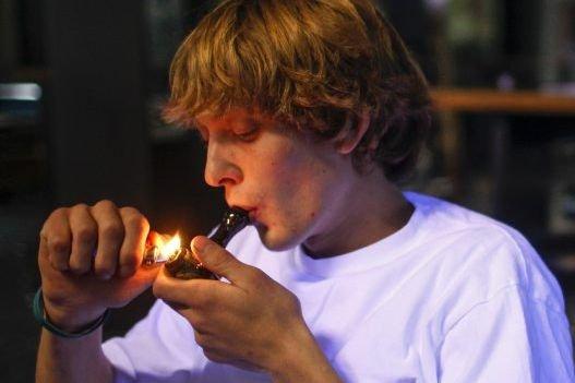 Actuellement, pour obtenir de la marijuana médicale, un... (Photo Reuters)