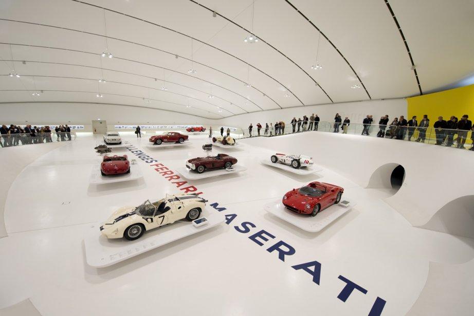 Le hall du Grand Duel où sont logées les 19 voitures qui composent l'exposition. (Photo fournie par le Musée Casa Enzo Ferrari)