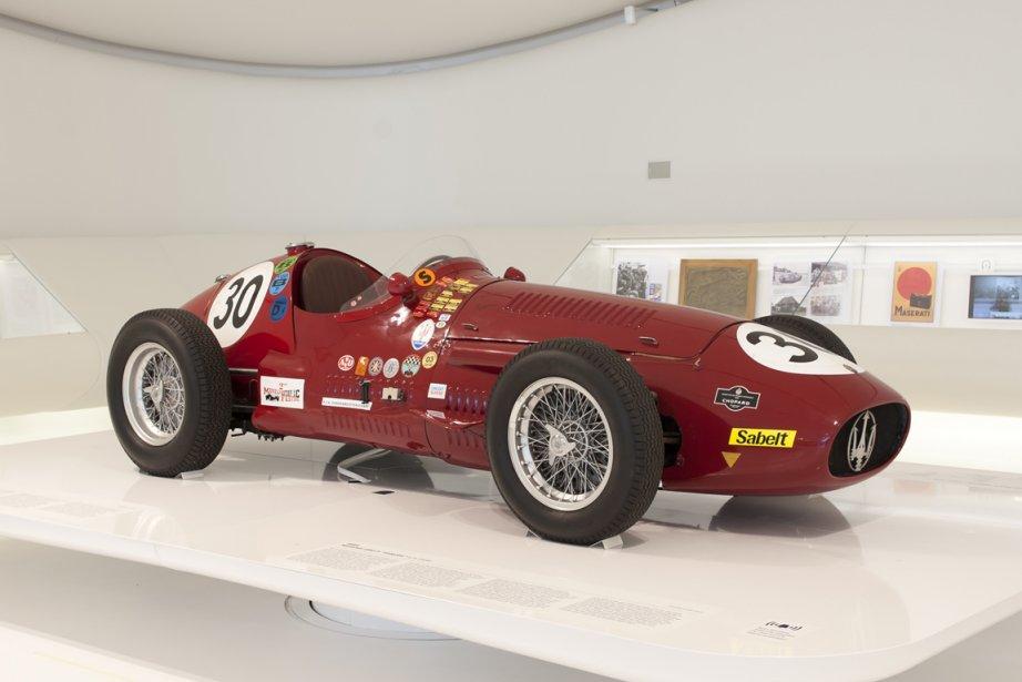 MASERATI 250F «INTERIM» 954 (collection privée) - Les habitués du Sommet des légendes au circuit Mont-Tremblant ont souvent vu la 250F pilote par Peter Giddings. (Photo fournie par le Musée Casa Enzo Ferrari)