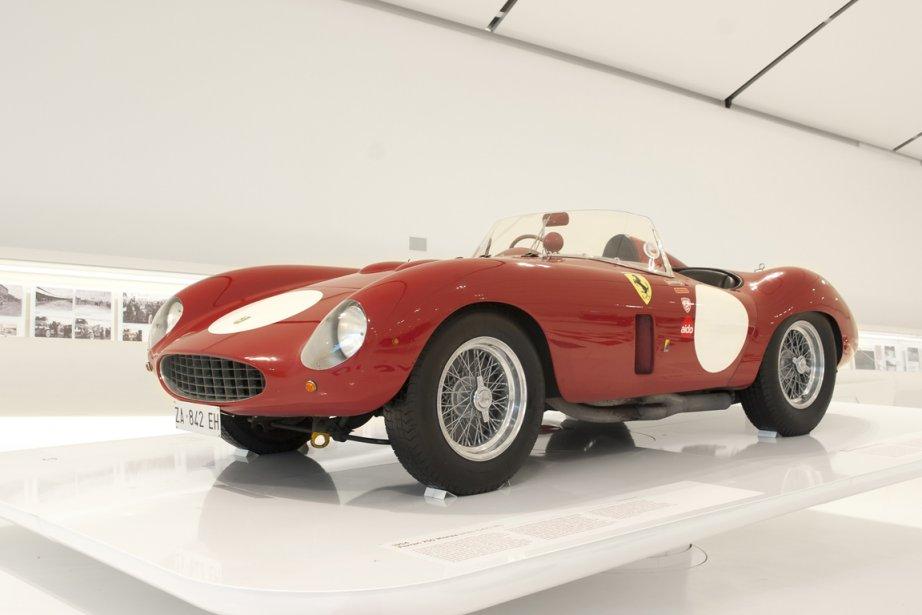 FERRARI 750 MONZA 1954 (Collezione Brevini) - Sans être une innovation sur le plan technique ni un grand succès en compétition, cette 750 Monza, carrossée par Sergio Scaglietti, compte parmi les plus belles Ferrari de tous les temps. (Photo fournie par le Musée Casa Enzo Ferrari)