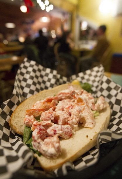 Un Lobster Roll typique au Rooster's roadhouse. | 17 décembre 2012