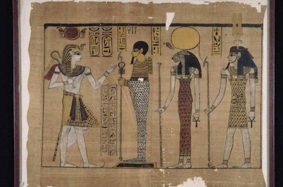 Reproduction d'un Papyrus représentant le règne de Ramsès... (Photo archives AFP)