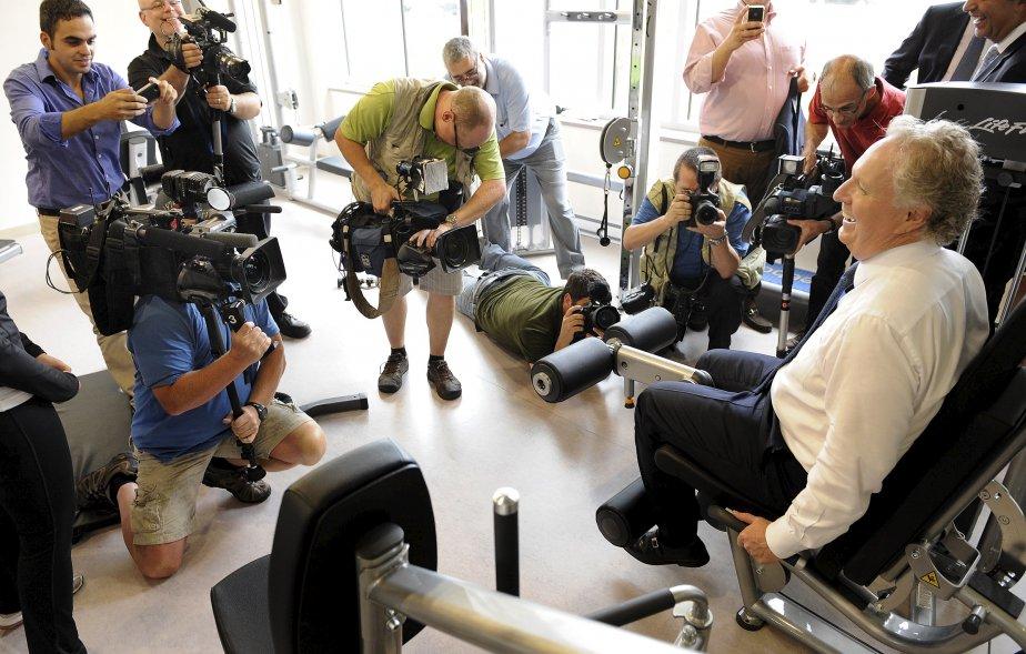 L'envers du décor avec Jean Charest durant la campagne électorale lors d'une visite chez Biscuits Leclerc en août. | 18 décembre 2012