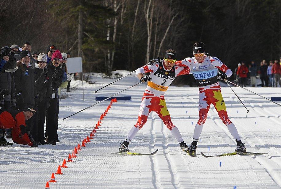 D'un commun accord, Devon Kershaw et Alex Harvey ont franchi en même temps la ligne d'arrivée au 50 km de style classique des Championnats canadiens de ski de fond au Mont-Sainte-Anne en mars. | 18 décembre 2012