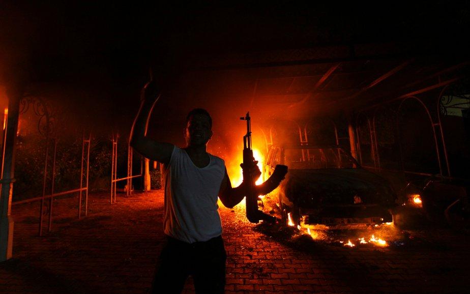 Cette fois, c'est en Libye que le terrorisme a frappé le 11 septembre. Ce soir-là, des dizaines d'hommes armés ont pris d'assaut et incendié le consulat américain. Quatre Américains, dont l'ambassadeur Christopher Stevens, ont été tués. | 18 décembre 2012
