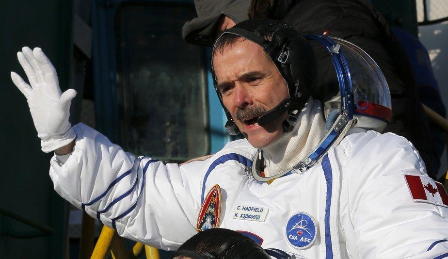 L'astronaute canadien Chris Hadfield s'est envolé, à 7h12 (heure du Québec) le 19 décembre, du Kazakhstan pour une mission de cinq mois dans l'espace. La capsule russe Soyouz voyagera pendant deux jours avant d'atteindre la Station spatiale internationale. En mars, Chris Hadfield deviendra le premier Canadien à prendre les commandes de la Station. | 19 décembre 2012