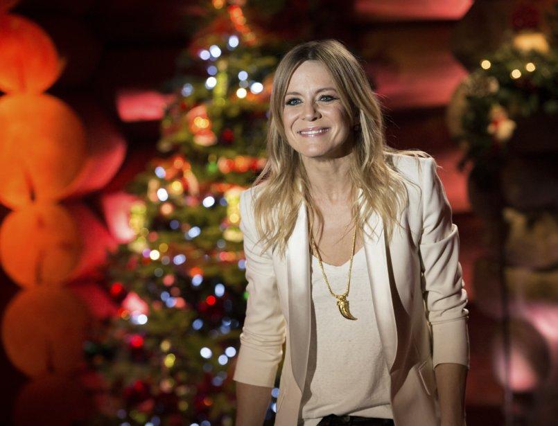 Véronic DiCaire, animatrice de cette grande célébration réunissant des artistes de la francophonie, qui sera d'abord diffusée sur France 2 le 24 décembre, puis les 26 et 27 décembre sur les ondes de Radio-Canada, à 21h. | 21 décembre 2012