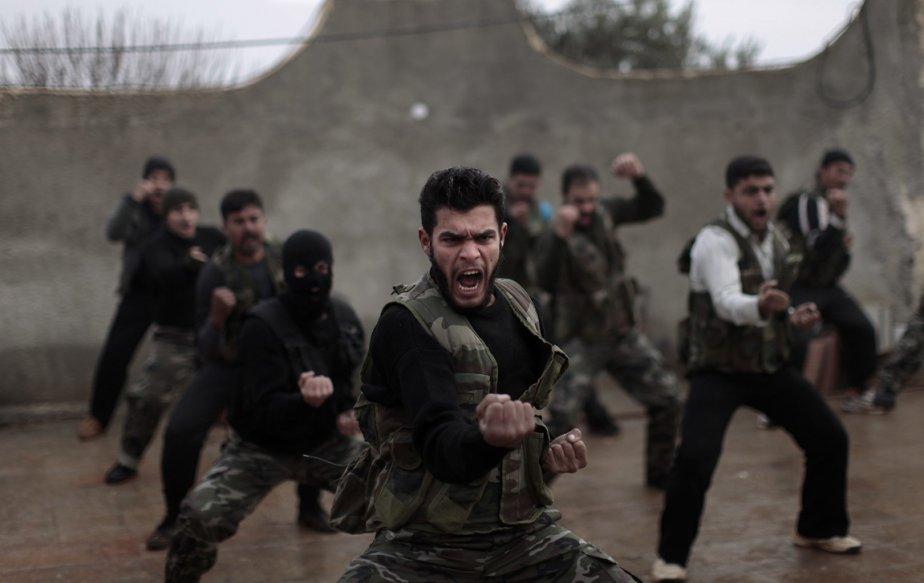 Rebelles syriens à l'entrainement à Maaret Ikhwan près de Idlib | 21 décembre 2012