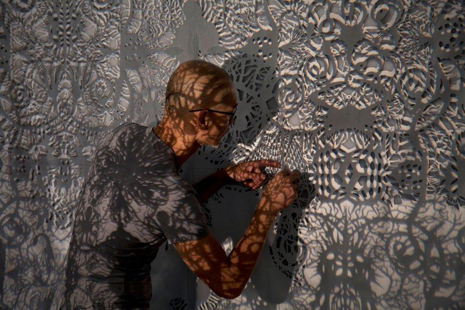 L'artiste torontois Ed Pien expose ses nouveaux papiers découpés chez...
