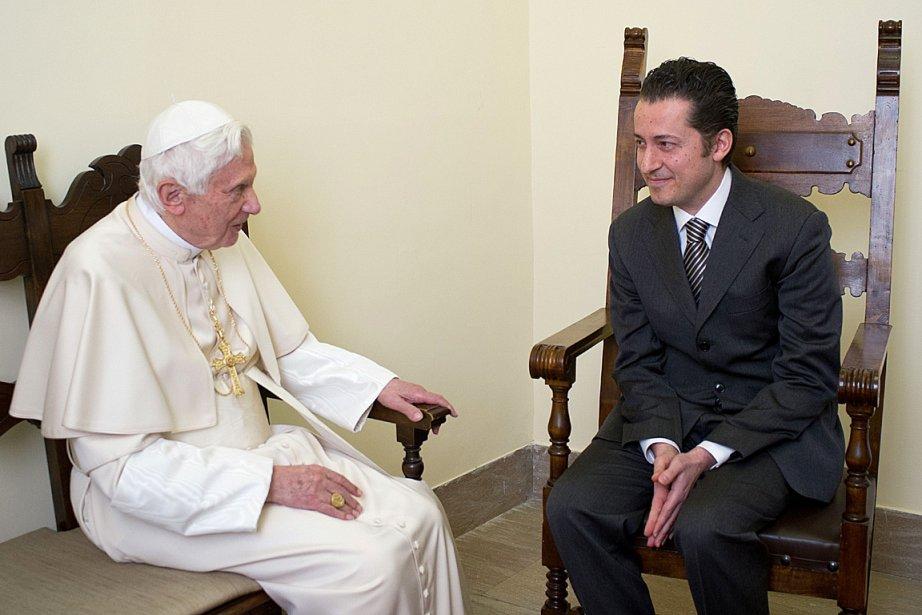 Le pape Benoît XVI a rencontré Paolo Gabriele... (Photo: AFP/OSSERVATORE ROMANO)