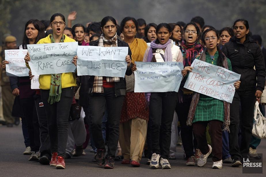 Des femmes réclament justice pour les viols commis... (Photo: archives AFP)