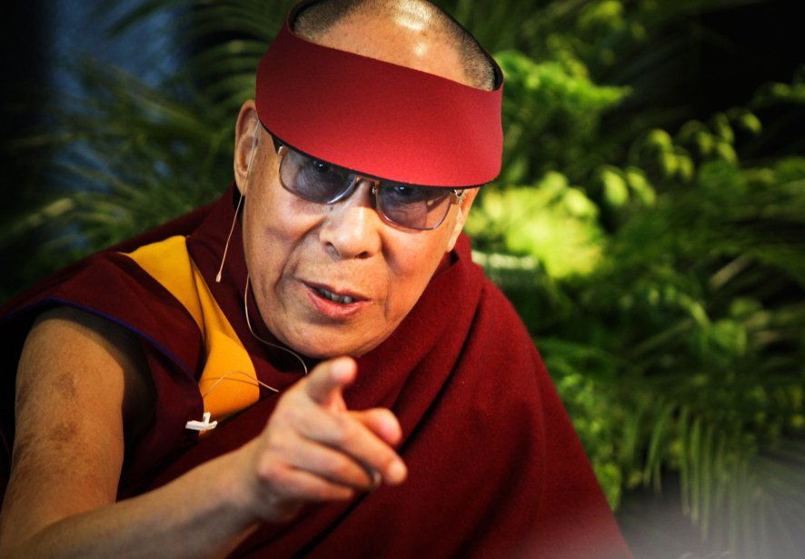 Le dalaï-lama est de passage à Ottawa, le 27 avril 2012, dans le cadre de la 6e Convention mondiale des parlementaires pour le Tibet. Dans une allocation prononcée à l'Hôtel Lord Elgin, le leader en exil déclare que l'antique culture tibétaine risque de mourir. Le leader de 76 ans a plus tard été reçu en privé par le premier ministre Stephen Harper dans son bureau de la colline parlementaire. | 25 décembre 2012