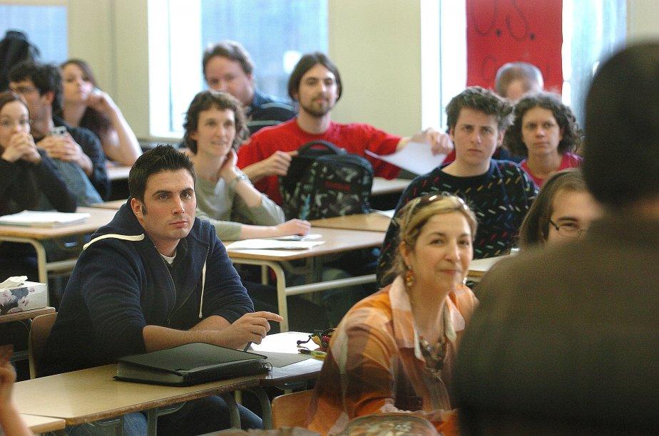 Retour en classe de Laurent Proulx à l'Université Laval après avoir obtenu une injonction dans le conflit étudiant sur les droits de scolarité. | 26 décembre 2012