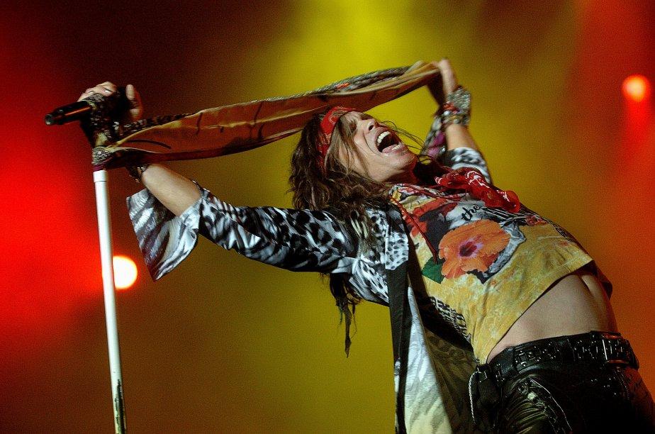 Le chanteur Steven Tyler du groupe Aerosmith sur la grande scène du Festival d'été de Québec | 26 décembre 2012