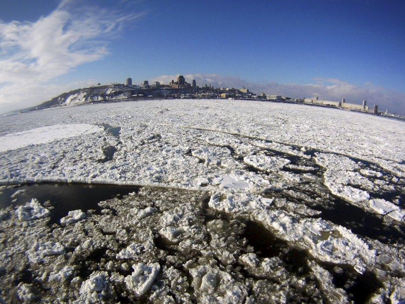 Les glaces devant Québec, vues du traversier | 27 décembre 2012