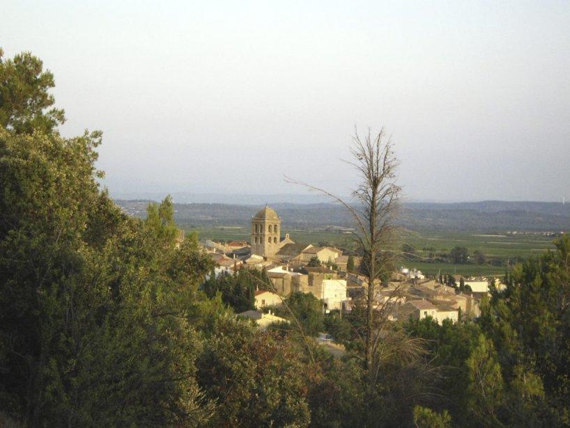 Une vue du village avec son clocher byzantin. | 27 décembre 2012
