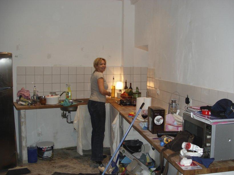 Andrée-Anne dans la cuisine pendant les travaux. | 27 décembre 2012