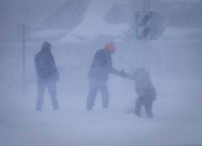 Photographe; André Pichettte,La Presse -- La Presse photo no: 569280 -- Général - Sujet: Tempête de neige auto sur la auto sur le boulevard Taschereau à Brossard -30- 27-12-2012 Photographe, Andre Pichette, La Presse | 27 décembre 2012
