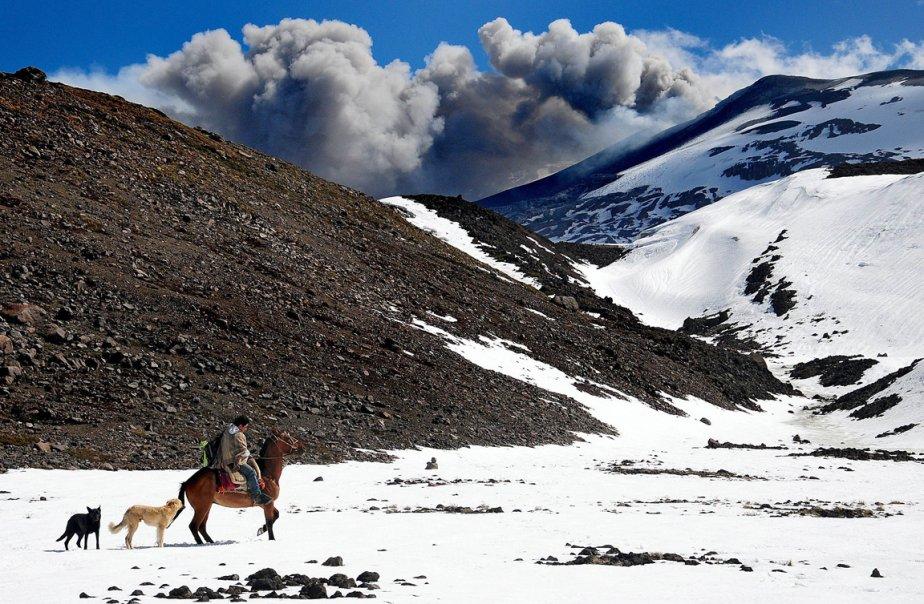 Éruption du volcan Copahue à Chanchocoo au Chili. | 28 décembre 2012