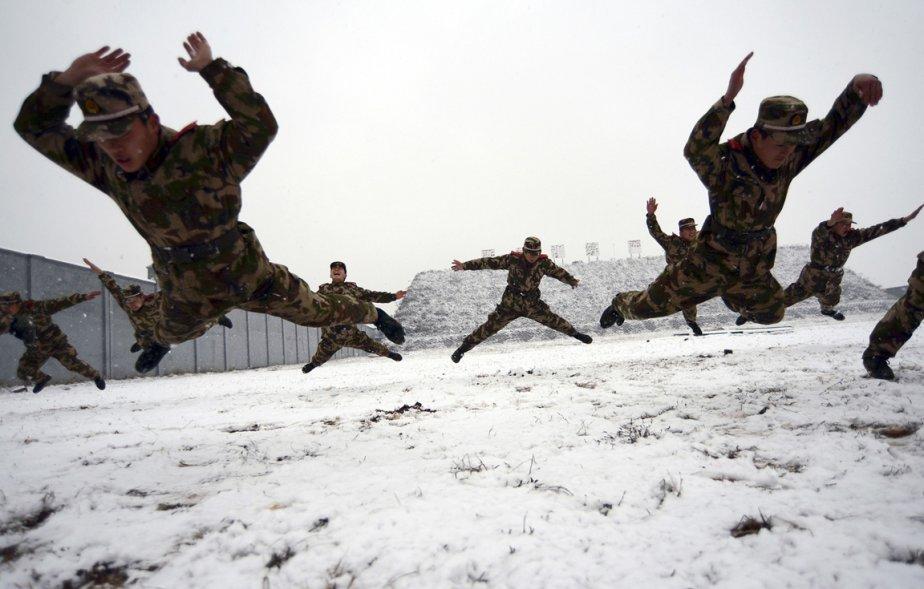 Policiers chinois à l'entraînement à Nanjing. | 28 décembre 2012