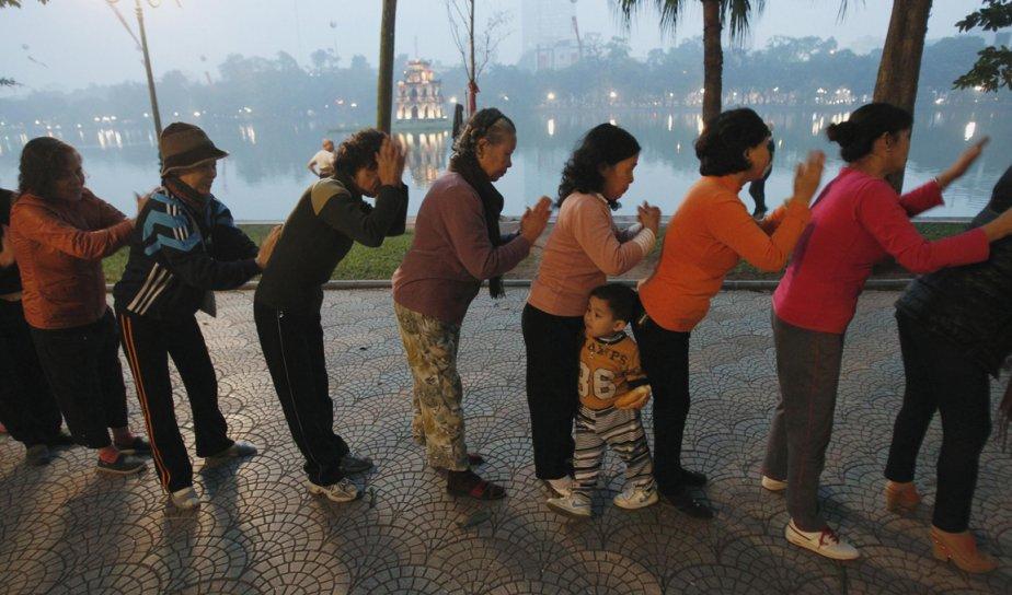 Séance de massage collectif à Hanoi au Vietnam | 28 décembre 2012