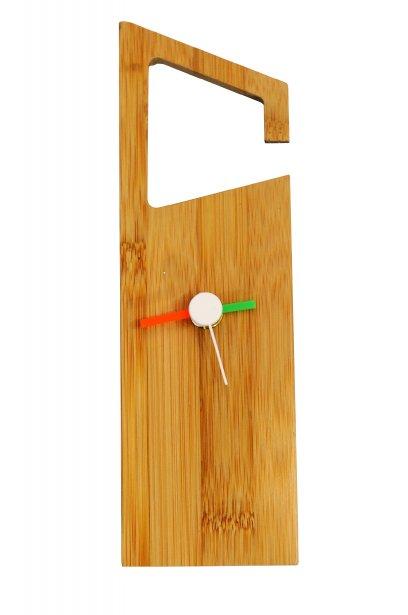 Horloge à suspendre, 11 $ chez Ozé, 3759, rue du Campanile, Québec, 418659-2303 | 30 décembre 2012