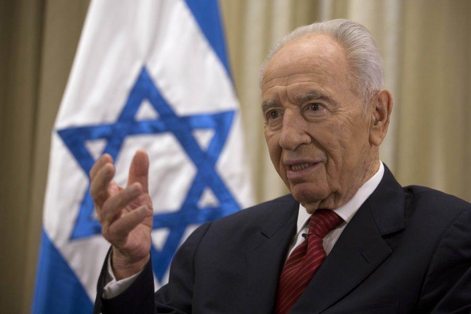 M. Peres a déclaré que le seul moyen... (PHOTO MENHEM KAHANA, AFP)