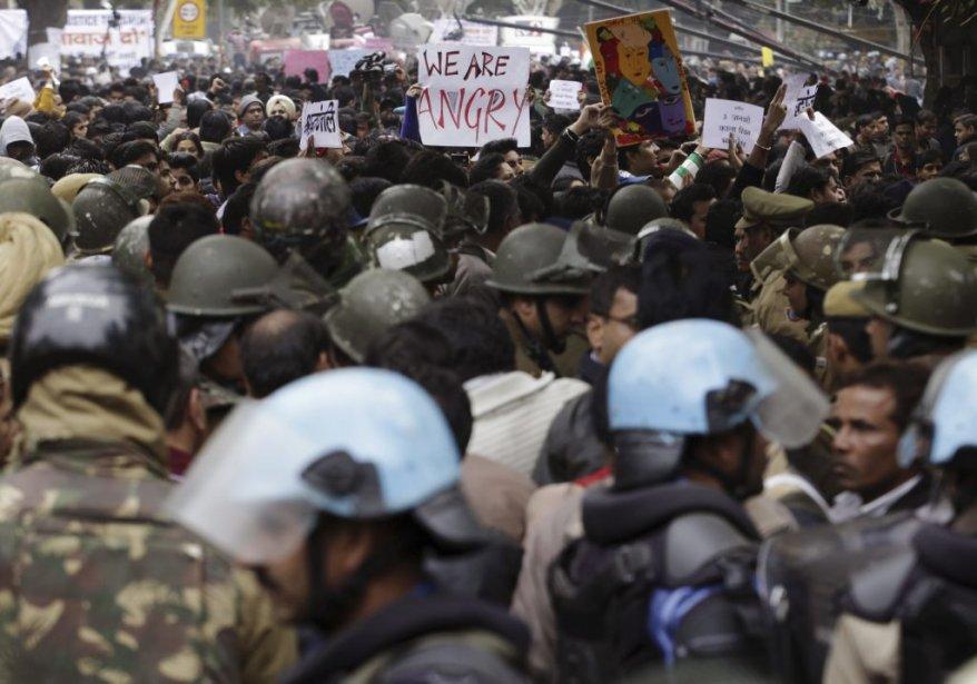 «Nous sommes en colère», affirme l'un des manifestants au coeur de cette manifestation à New Delhi. | 30 décembre 2012