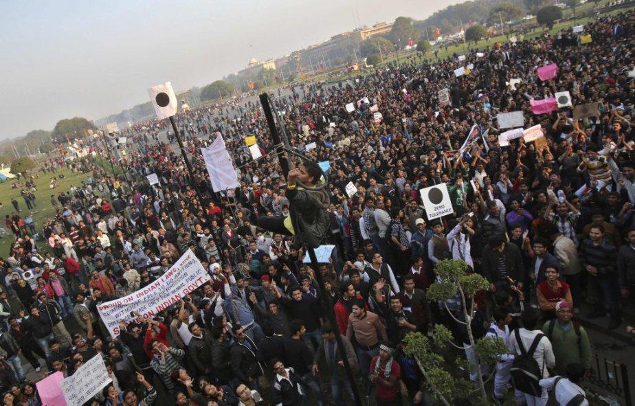 L'une des nombreuses manifestations à la suite du viol collectif de l'étudiante, à New Delhi, le 22 décembre. | 30 décembre 2012