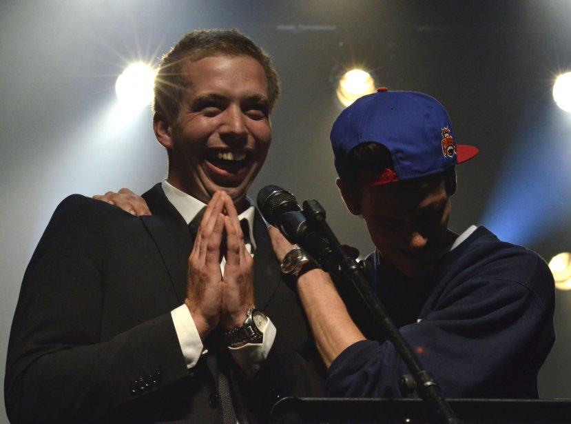 Victoire de ROD le STOD au Festival de la chanson de Granby. Ce n'est pas l'émotion qui manquait dans l'entourage du gagnant! | 3 janvier 2013