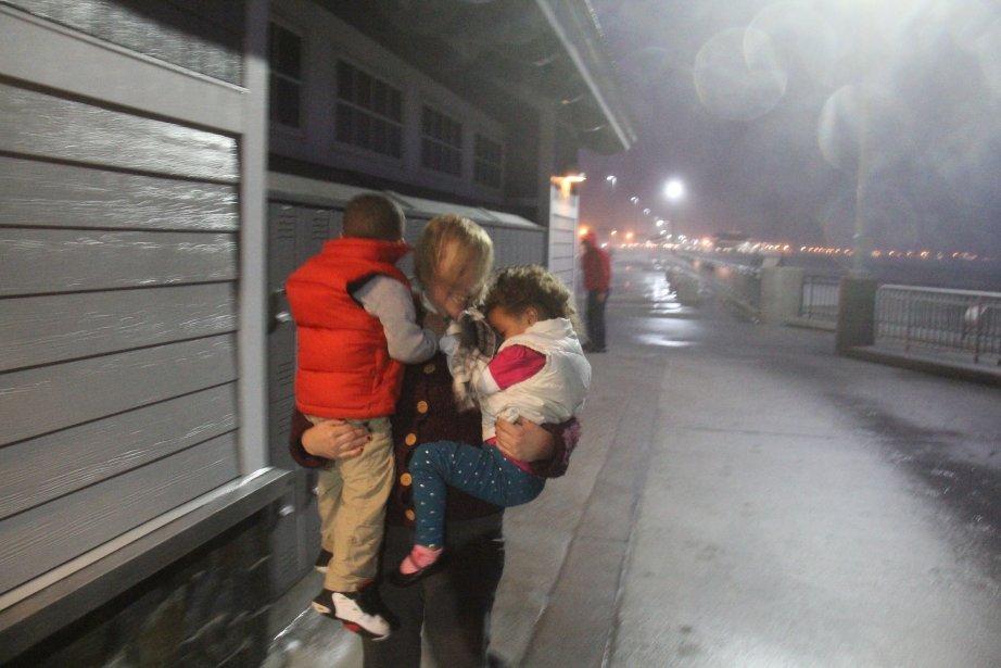 Petite virée à Hampton Beach, au New Hampshire, à la poursuite de l'ouragan Sandy. Difficultés techniques au rendez-vous : manque de lumière et beaucoup d'eau et de sable dans l'objectif ! Mais quelle expérience professionnelle ! | 3 janvier 2013