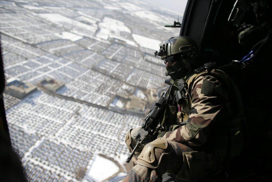 Un soldat des forces armées françaises au dessus de Kaboul en Afghanistan | 3 janvier 2013