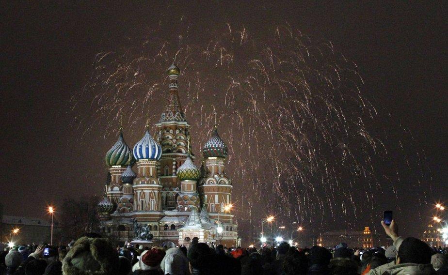 Feux d'artifice du Nouvel An sur la place rouge à Moscou | 3 janvier 2013