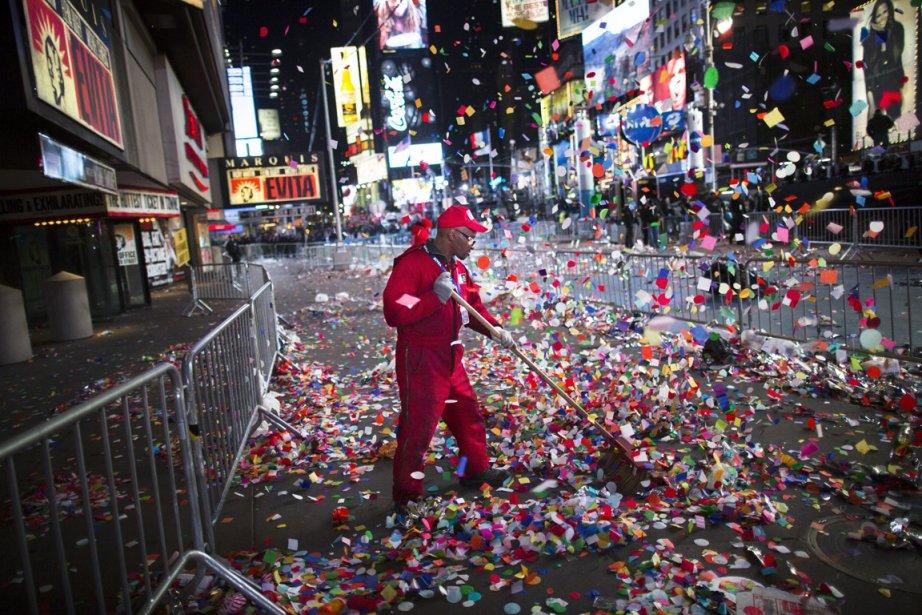 Opération de nettoyage sur Time Squarte suite aux célébrations du Nouvel An | 3 janvier 2013