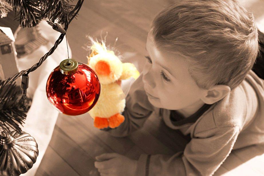 Julien, trois ans, petit-fils de Richard Marcoux, ne peut résister... | 2013-01-04 00:00:00.000