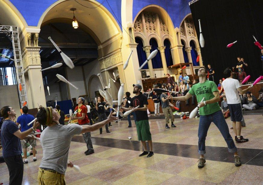 Le 7e Turbo Fest, qui se déroule cette fin de semaine à l'École de cirque de Québec, rassemble des dizaines de jongleurs d'ici et d'ailleurs. | 6 janvier 2013