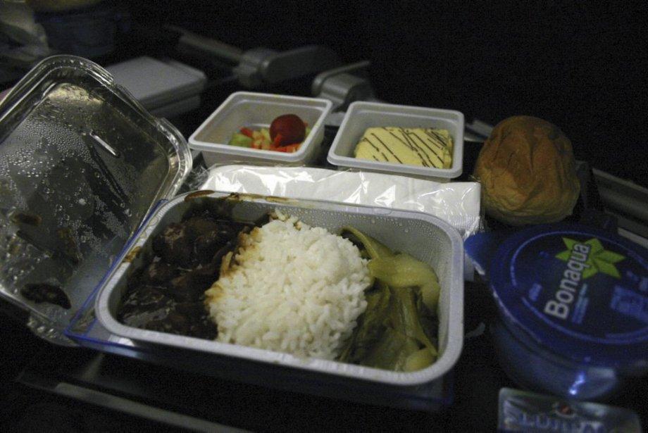 Repas sur Hong Kong Airlines. (Photo Valérie Simard, La Presse)