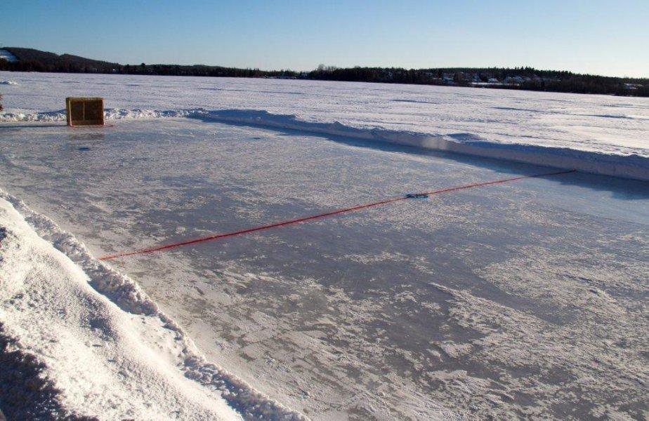 La patinoire de Mathieu Gagnon et Catherine Martineau, à Lac-Saint-Charles | 8 janvier 2013