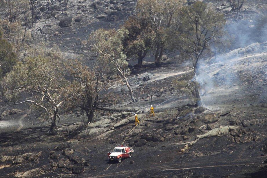 Sapeurs pompiers à l'oeuvre près de Wagga Wagga. | 8 janvier 2013