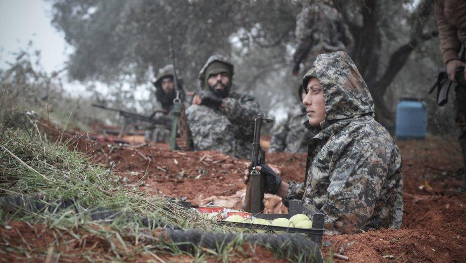 Rebelle syrien au front près de Taftanaz. | 9 janvier 2013